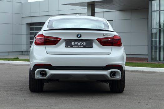 Спойлер с вырезом на BMW x6 (F16)