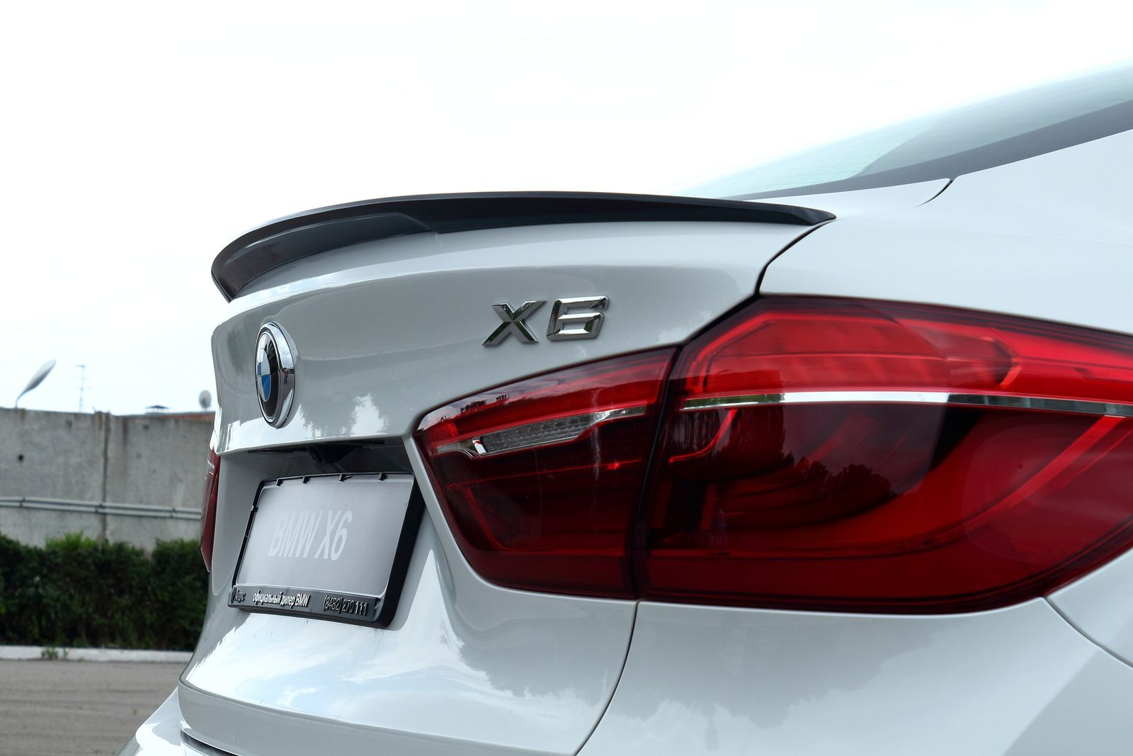 Спойлер с вырезом на BMW x6(f16)